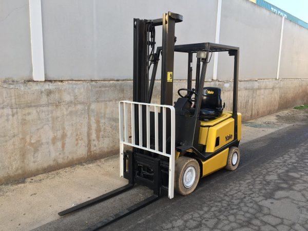 Carretilla Yale diesel 1600 kg.